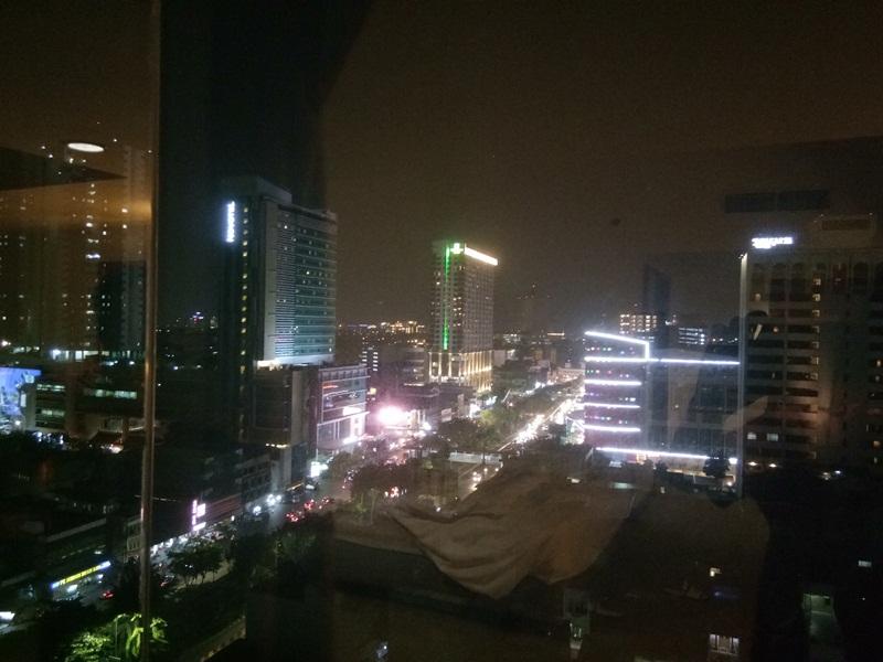 Pemandangan Jakarta malam hari