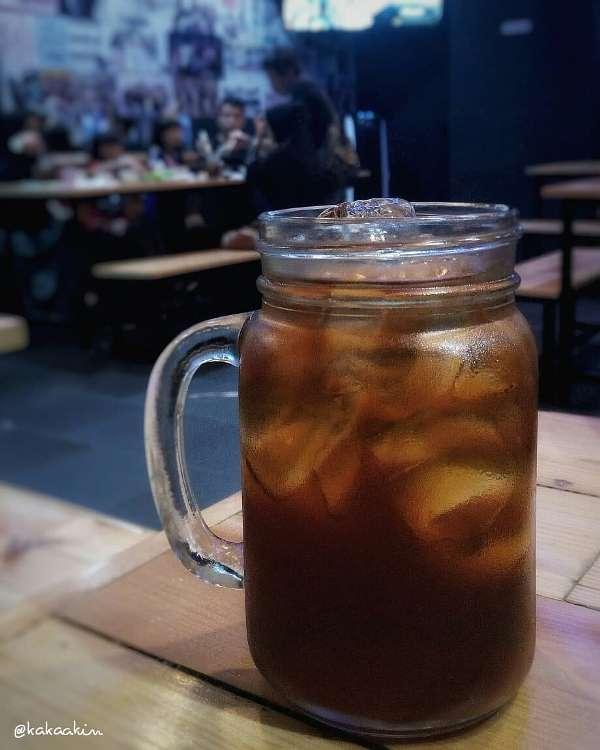 teh dingin andalan ketika cuaca panas