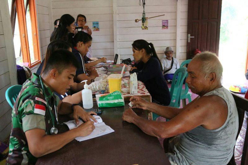 TNI juga hadir untuk melengkapi pelayanan kesehatan di Long Bagun, Mahulu I persbhayangkara.id