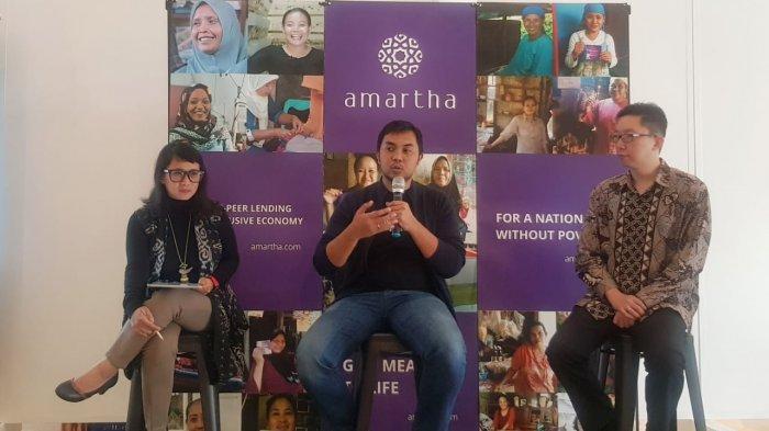 Founder & CEO PT Amartha Mikro Finance (Tengah) I Tribunews.com