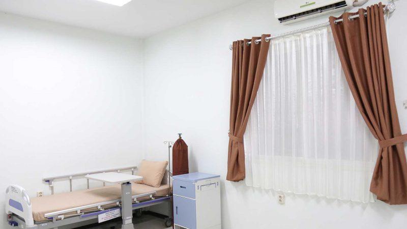 Fasilitas Klinik Asiki berupa kamar perwatan yang layak I Korindo